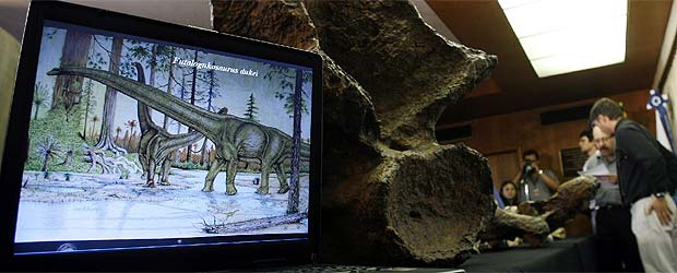 20071017121318-recreacion-futalognkosaurus-dukei.jpg