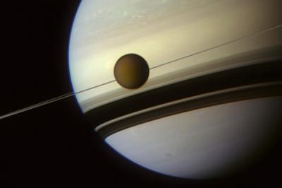 20120621065849-titan-e-saturno.jpg