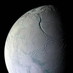 20110309110139-luna-saturno.jpg