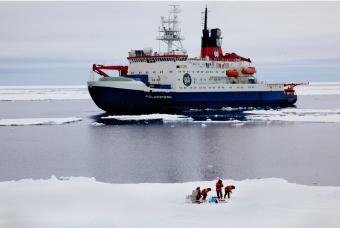 20110525093106-atravesando-lago-hielo.jpg