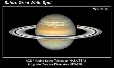 20110711121551-gran-mancha-blanca-saturno2.jpg