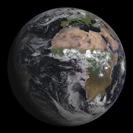 20120808190948-imaxe-da-terra-tomada-polo-msg-3.jpg